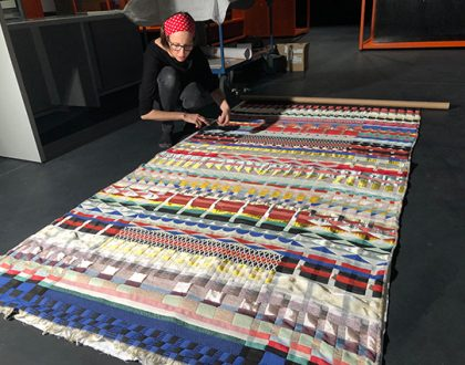 Katharina recreates Bauhaus patterns on fabrics!